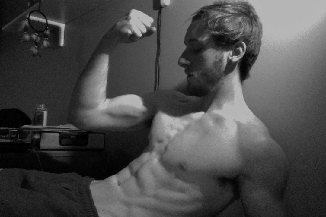 Bodybuilding Pose
